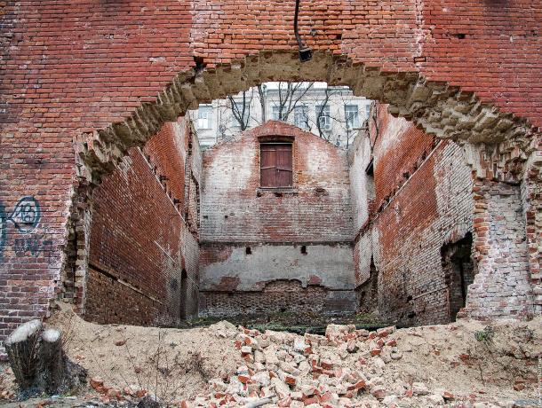 Парамоновские склады в Ростове могут изъять у собственника