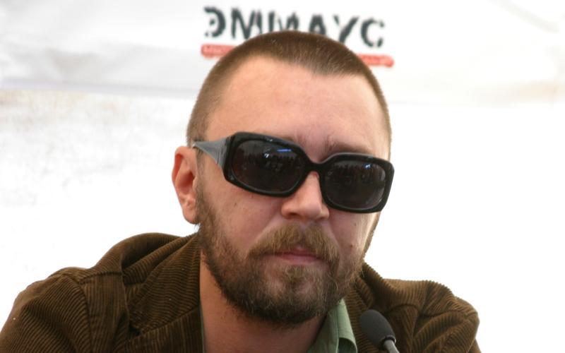 Сергей Шнуров посвятил стихотворение строительству «трех храмов в сутки»