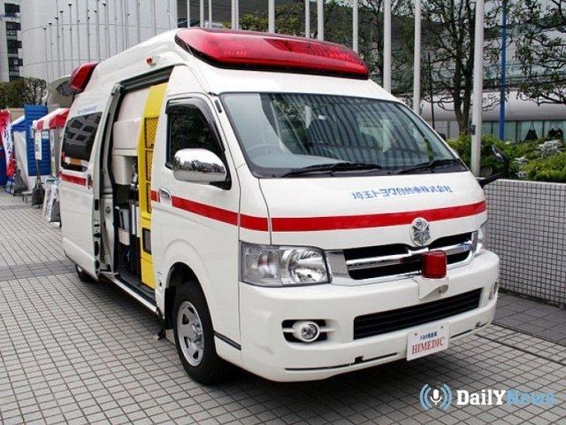 В Японии автомобиль врезался в колонну  детей