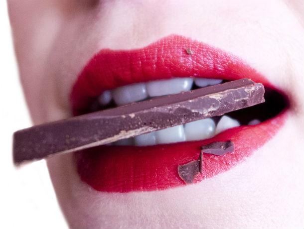 В Ростовской области вор-сладкоежка похитил из магазина ящик шоколада