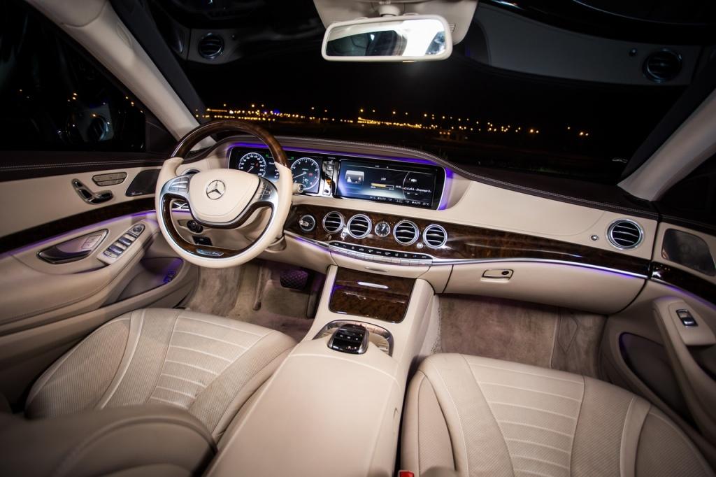 Mercedes-Benz_S400_9.jpg